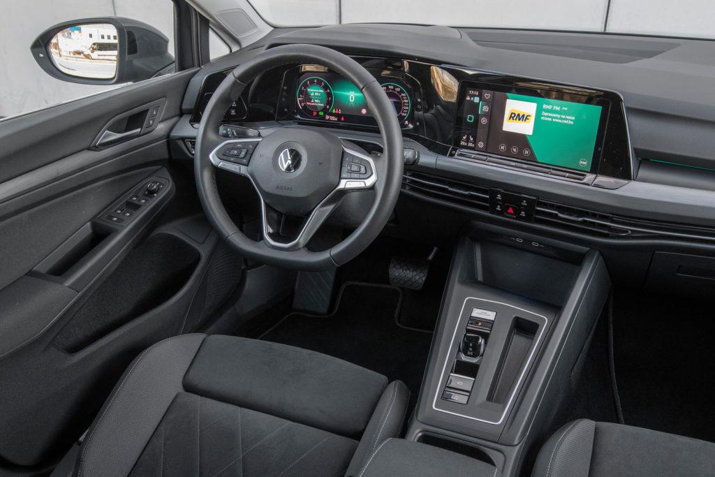VW Golf - deska rozdzielcza