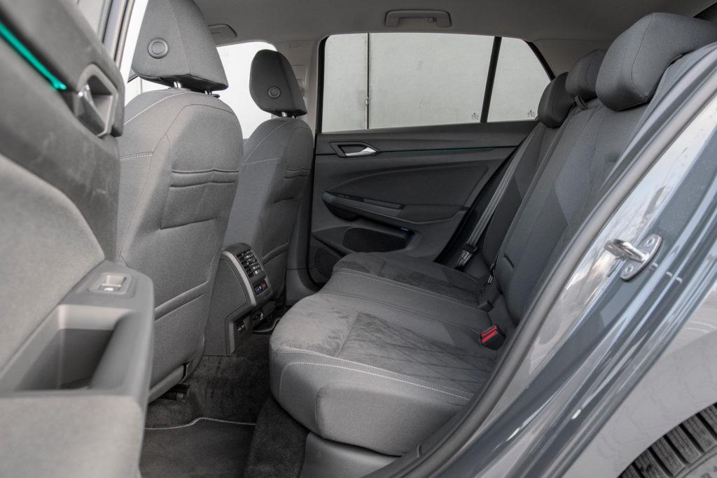 VW Golf - tylna kanapa